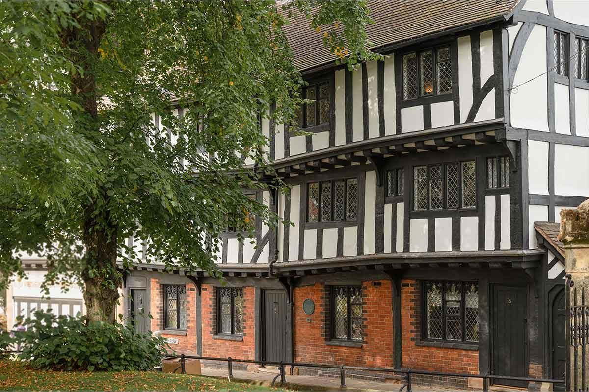 3-5 Priory Row